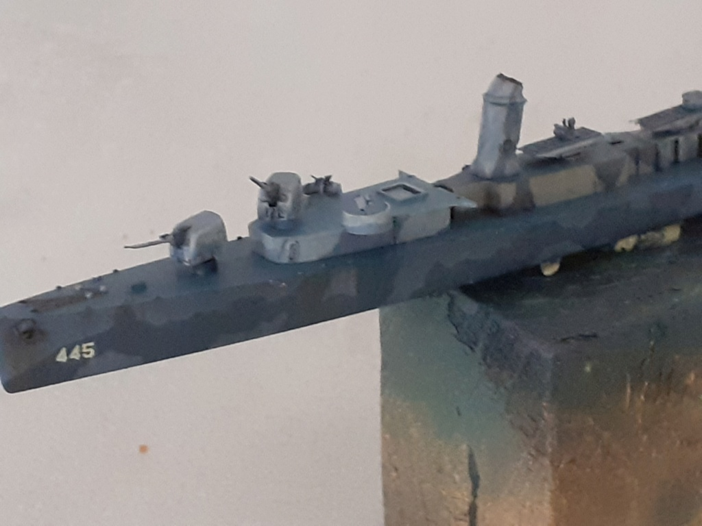 Premier rôle à Guadalcanal - USS Fletcher DD-445 (Tamiya 1/700) - Page 4 20202583