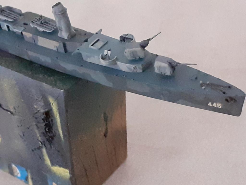 Premier rôle à Guadalcanal - USS Fletcher DD-445 (Tamiya 1/700) - Page 4 20202592