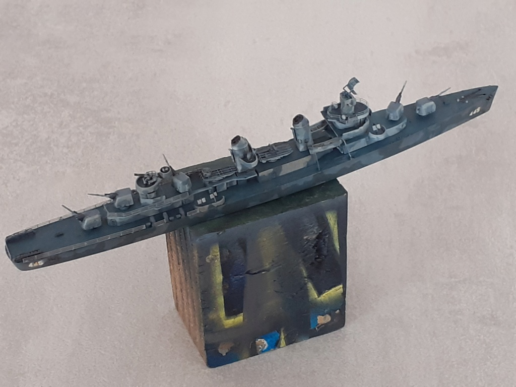 Premier rôle à Guadalcanal - USS Fletcher DD-445 (Tamiya 1/700) - Page 4 20202759