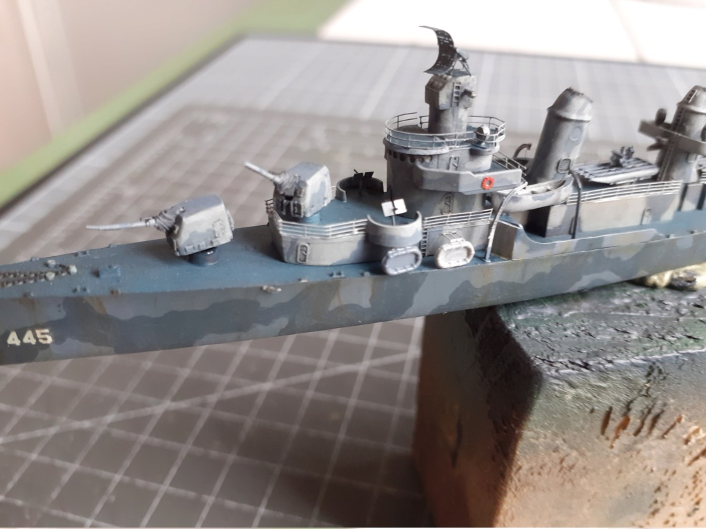 Premier rôle à Guadalcanal - USS Fletcher DD-445 (Tamiya 1/700) - Page 4 20202889