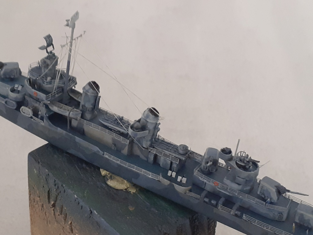 Premier rôle à Guadalcanal - USS Fletcher DD-445 (Tamiya 1/700) - Page 5 20203084