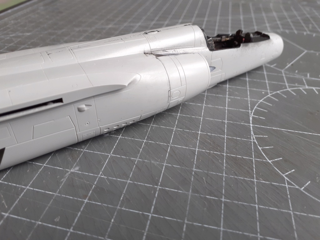 Opération Serval - Mirage F1 CR (Italeri - 1/48) - Page 2 20204022