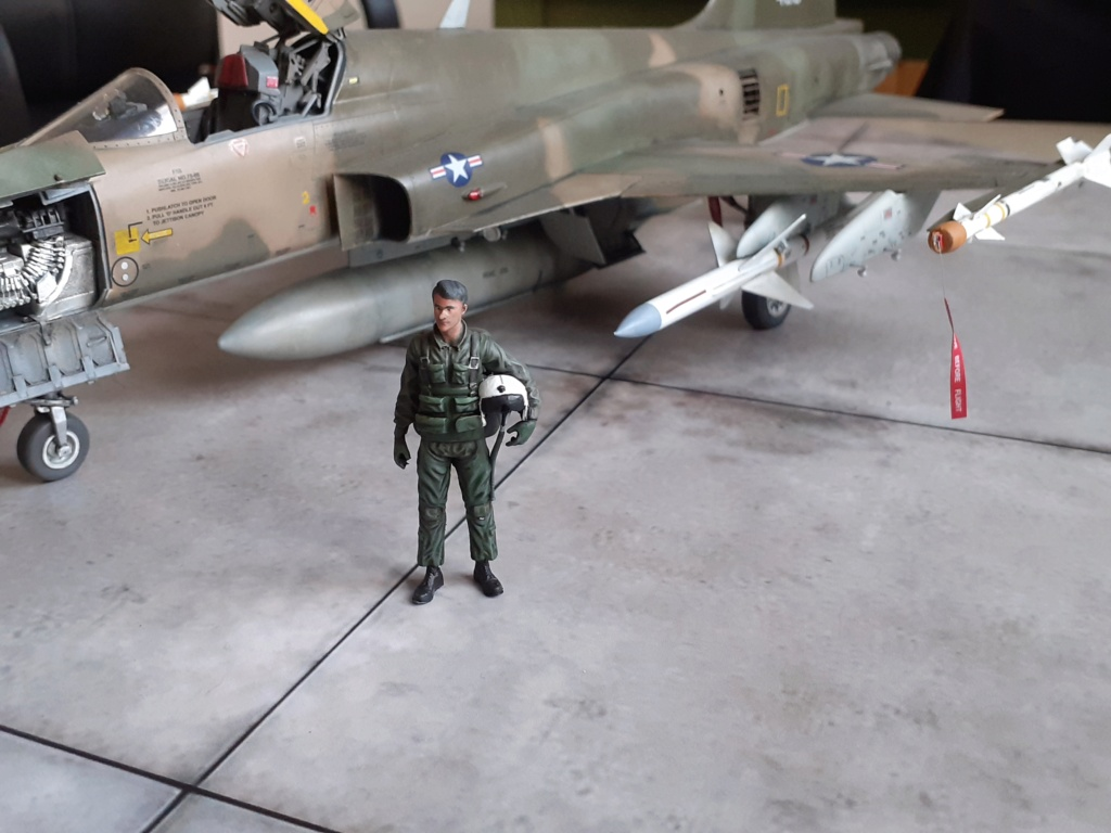 Un tigre en Arizona(F-5E Tiger II Kitty Hawk(1/32) - Page 6 20204424