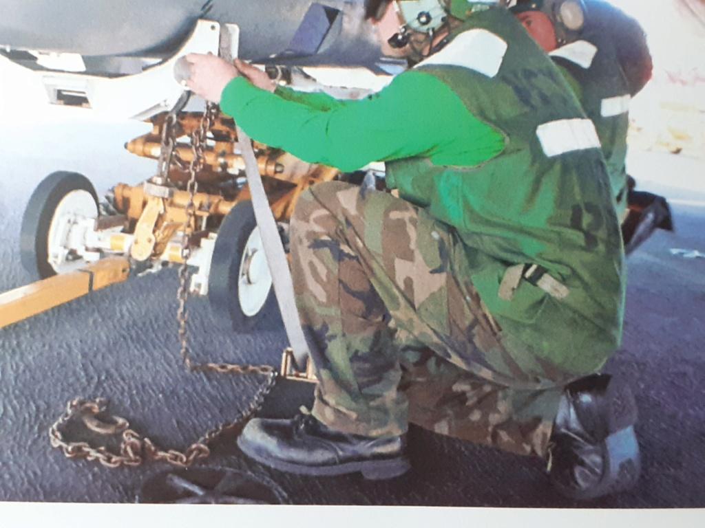 Chapeau haut de forme et griffes d'acier (F-14A Tomcat - Tamiya 1/32) - Page 14 20210340