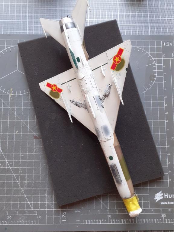 MiG-21 PFM Viet Air Force (Eduard 1/48°) par Canard - Page 4 20210853