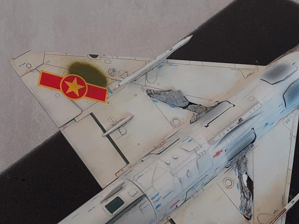 MiG-21 PFM Viet Air Force (Eduard 1/48°) par Canard - Page 4 20210891