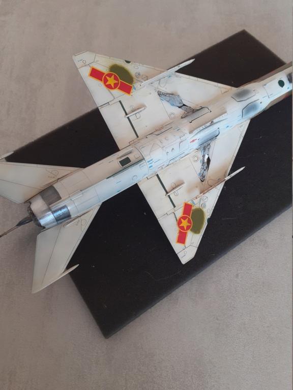 MiG-21 PFM Viet Air Force (Eduard 1/48°) par Canard - Page 4 20210893