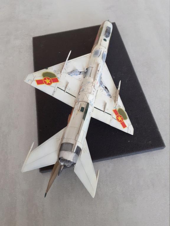 MiG-21 PFM Viet Air Force (Eduard 1/48°) par Canard - Page 4 20210897