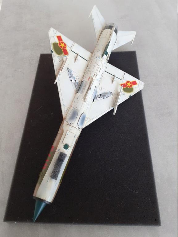MiG-21 PFM Viet Air Force (Eduard 1/48°) par Canard - Page 4 20210898
