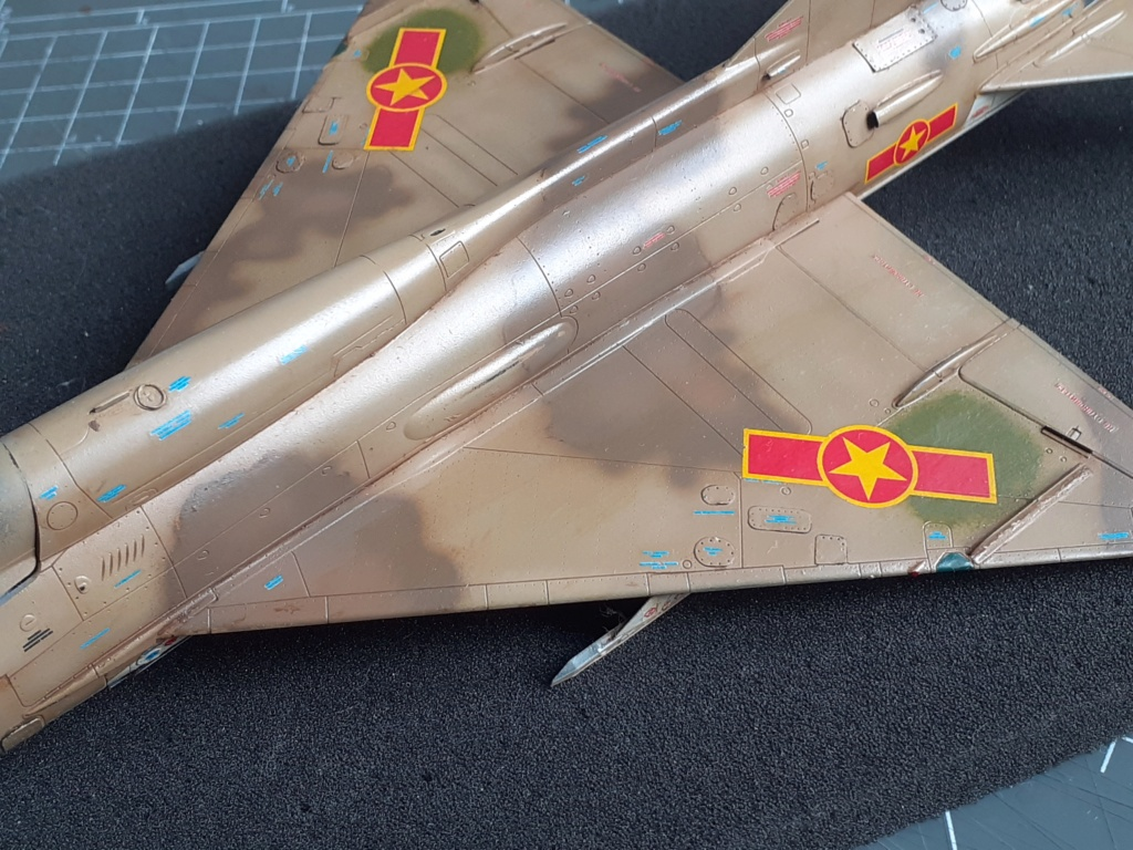 MiG-21 PFM Viet Air Force (Eduard 1/48°) par Canard - Page 4 20210926