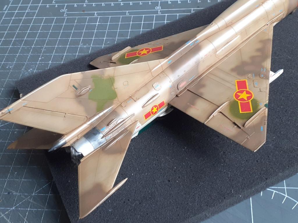 MiG-21 PFM Viet Air Force (Eduard 1/48°) par Canard - Page 4 20210927