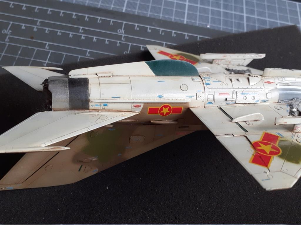 MiG-21 PFM Viet Air Force (Eduard 1/48°) par Canard - Page 4 20210934