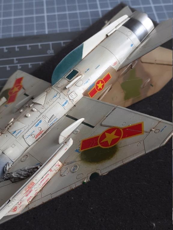 MiG-21 PFM Viet Air Force (Eduard 1/48°) par Canard - Page 4 20210935