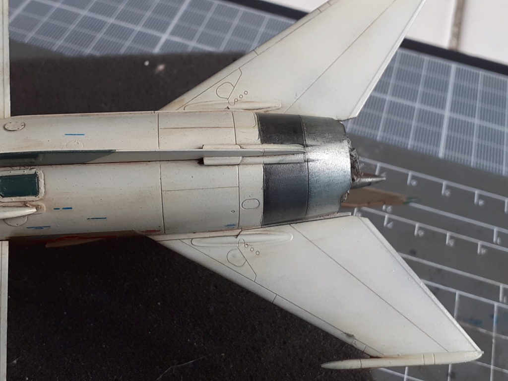 MiG-21 PFM Viet Air Force (Eduard 1/48°) par Canard - Page 4 20210936