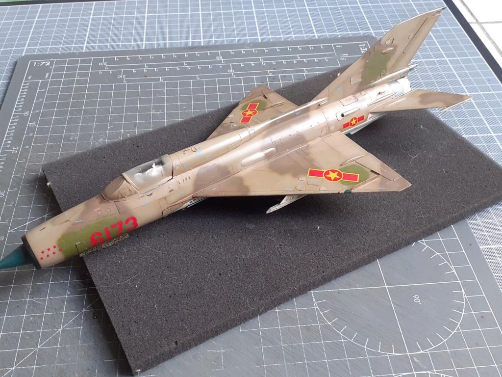 MiG-21 PFM Viet Air Force (Eduard 1/48°) par Canard - Page 4 20210944