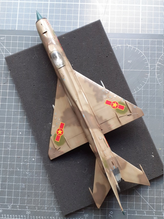 MiG-21 PFM Viet Air Force (Eduard 1/48°) par Canard - Page 4 20210947