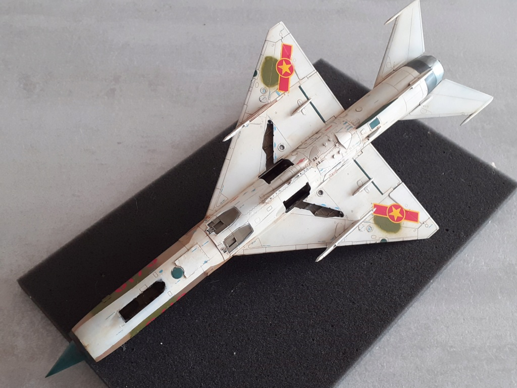 MiG-21 PFM Viet Air Force (Eduard 1/48°) par Canard - Page 4 20210994