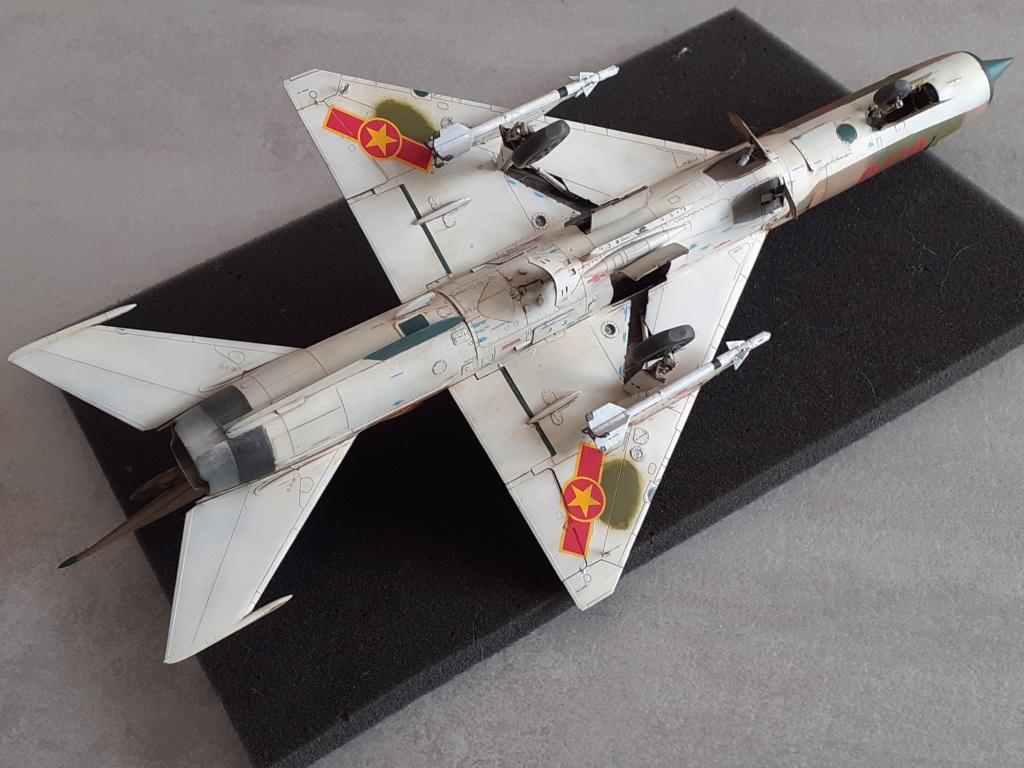 MiG-21 PFM Viet Air Force (Eduard 1/48°) par Canard - Page 4 20211000