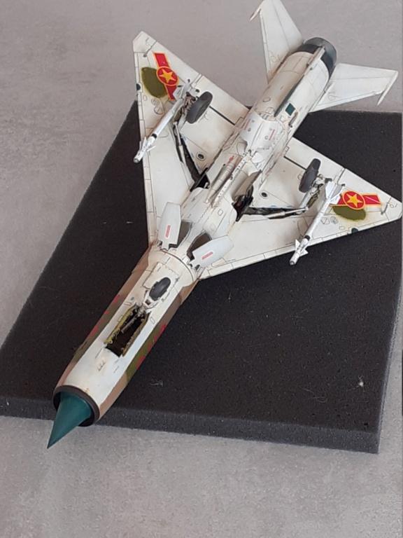 MiG-21 PFM Viet Air Force (Eduard 1/48°) par Canard - Page 4 20211006
