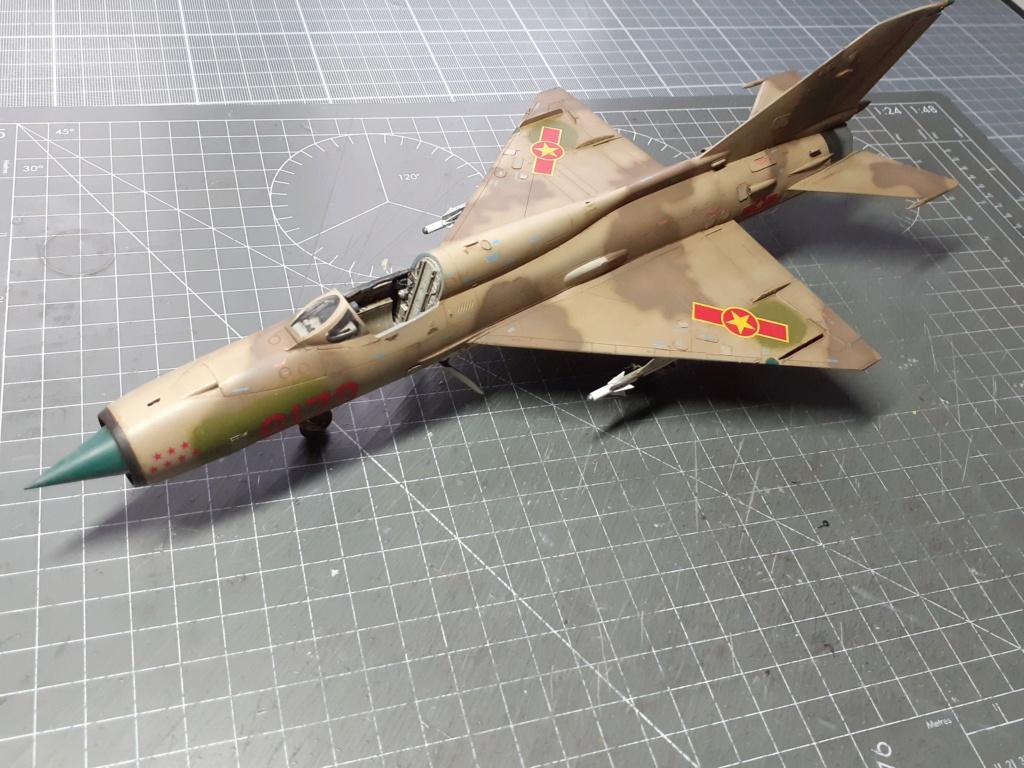MiG-21 PFM Viet Air Force (Eduard 1/48°) par Canard - Page 4 20211015