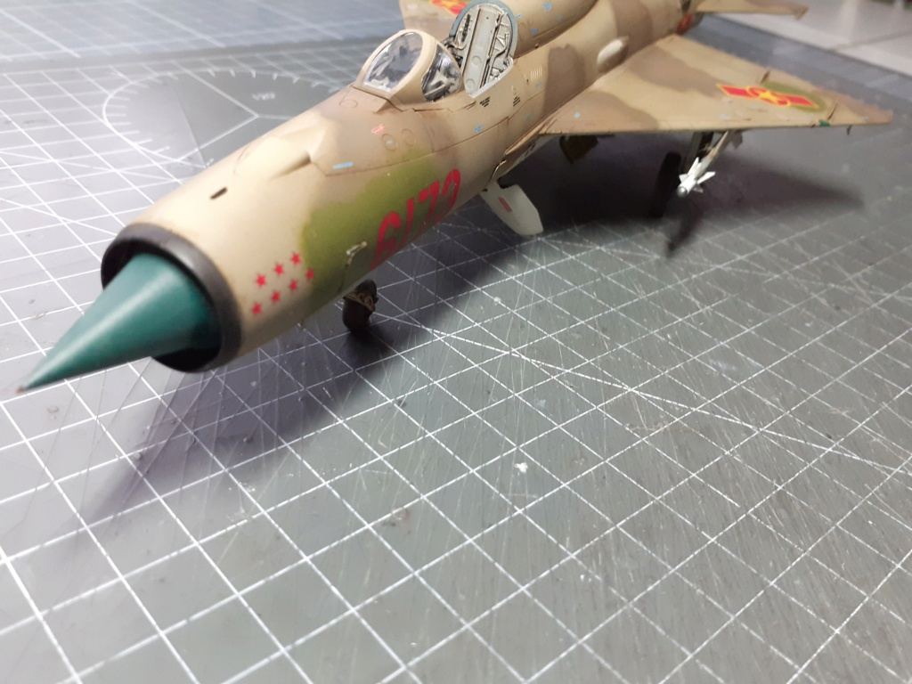 MiG-21 PFM Viet Air Force (Eduard 1/48°) par Canard - Page 4 20211016