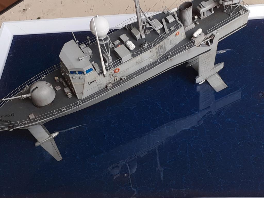 USS Pegasus PHM-1 (Hobby Boss 1/200°) - Page 4 20211509