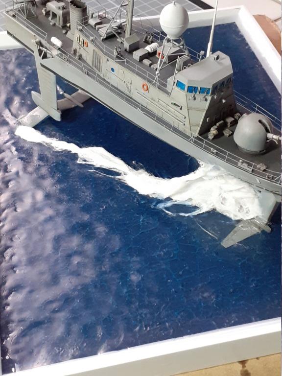 USS Pegasus PHM-1 (Hobby Boss 1/200°) - Page 5 20211545