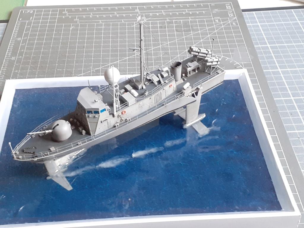 USS Pegasus PHM-1 (Hobby Boss 1/200°) - Page 5 20211574