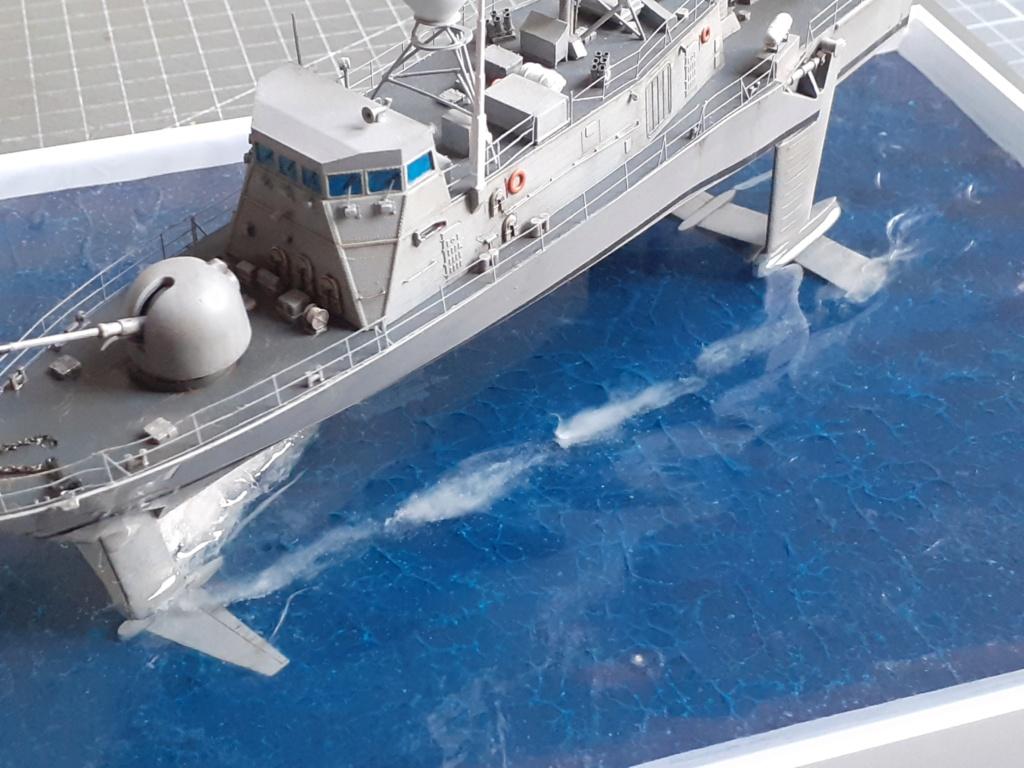 USS Pegasus PHM-1 (Hobby Boss 1/200°) - Page 5 20211575