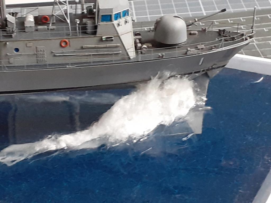 USS Pegasus PHM-1 (Hobby Boss 1/200°) - Page 5 20211590