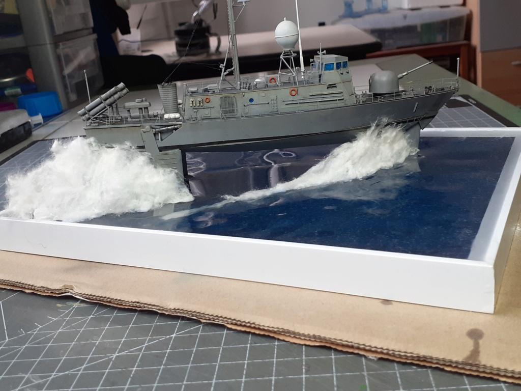 USS Pegasus PHM-1 (Hobby Boss 1/200°) - Page 5 20211595