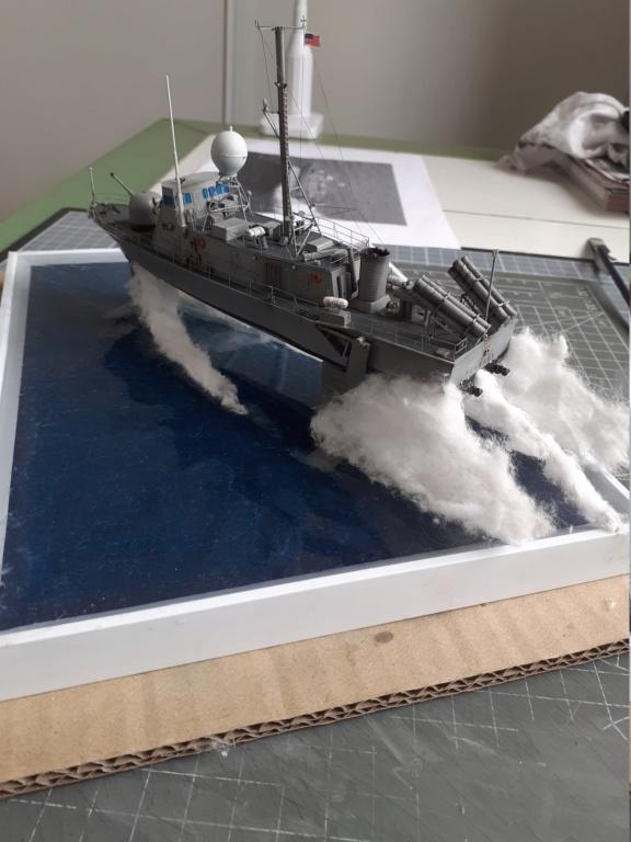 USS Pegasus PHM-1 (Hobby Boss 1/200°) - Page 6 20211618