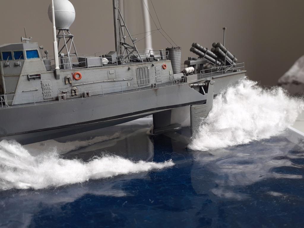 USS Pegasus PHM-1 (Hobby Boss 1/200°) - Page 6 20211619