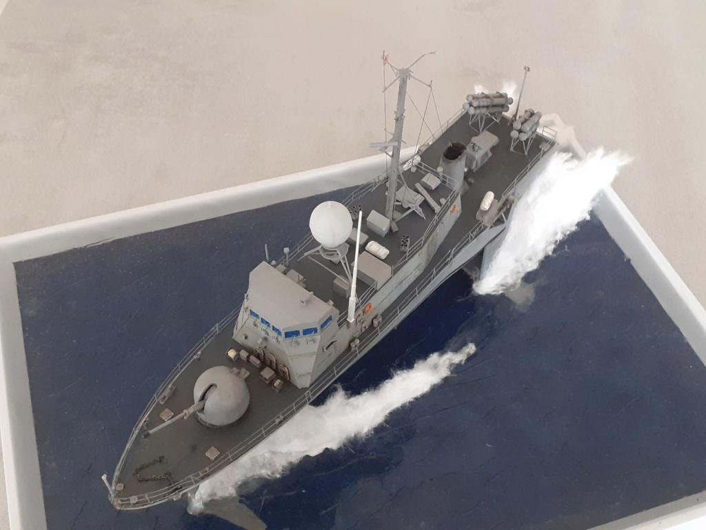 USS Pegasus PHM-1 (Hobby Boss 1/200°) - Page 6 20211657