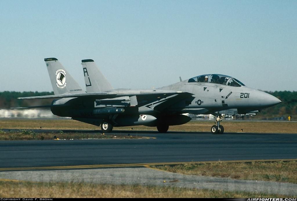 Chapeau haut de forme et griffes d'acier (F-14A Tomcat - Tamiya 1/32) F-14a_14