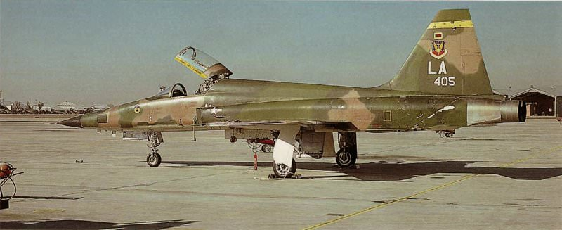 Un tigre en Arizona (F-5E Tiger II - Kitty Hawk 1/32) F-5e_418