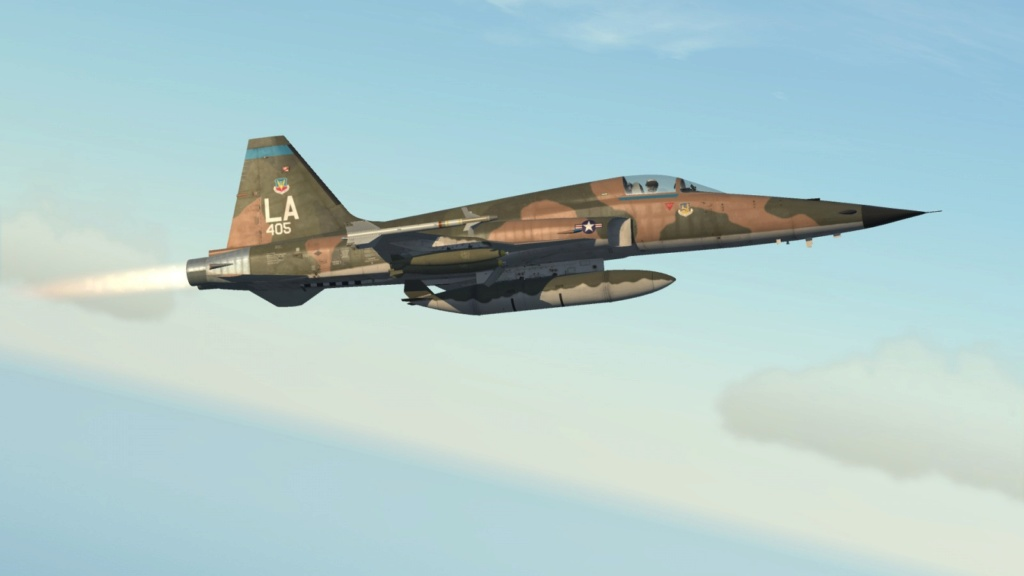 Un tigre en Arizona (F-5E Tiger II - Kitty Hawk 1/32) F-5e_420