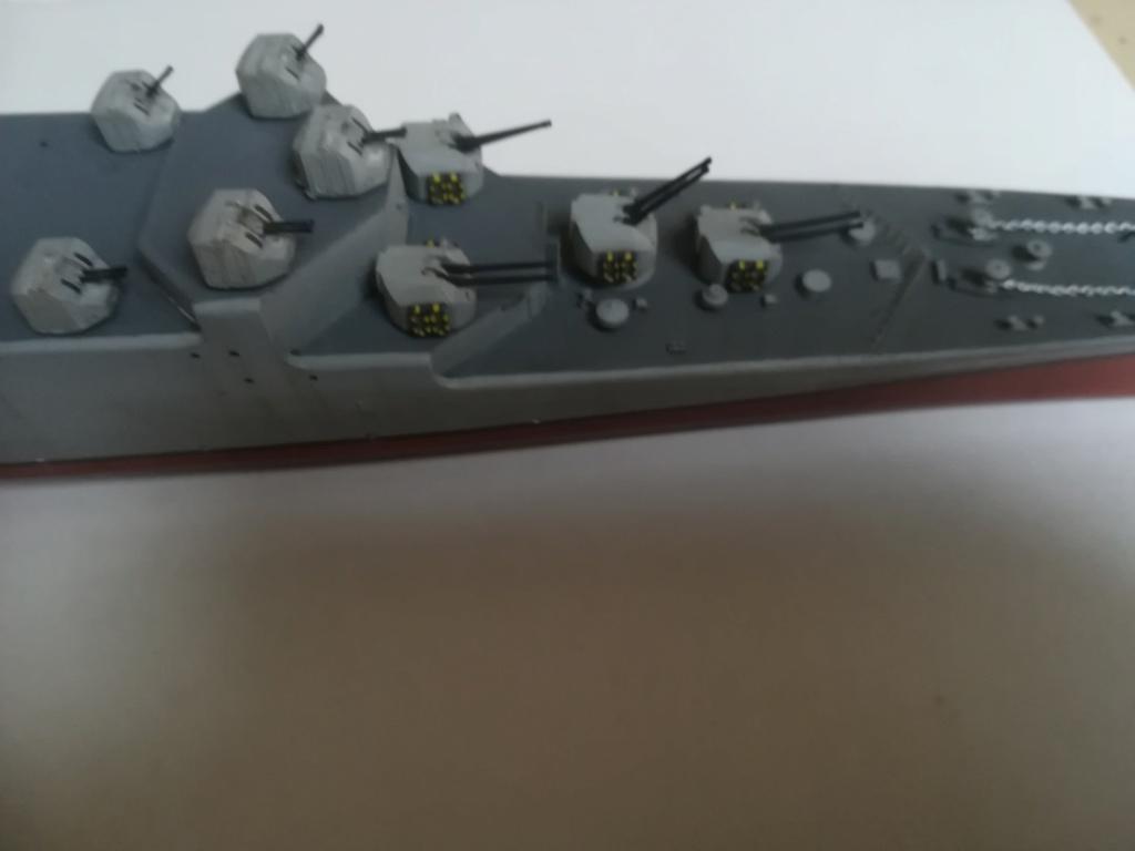 Le dernier croiseur - Croiseur Antiaérien Colbert C 611 - Heller 1/400 - Page 10 Img_1044