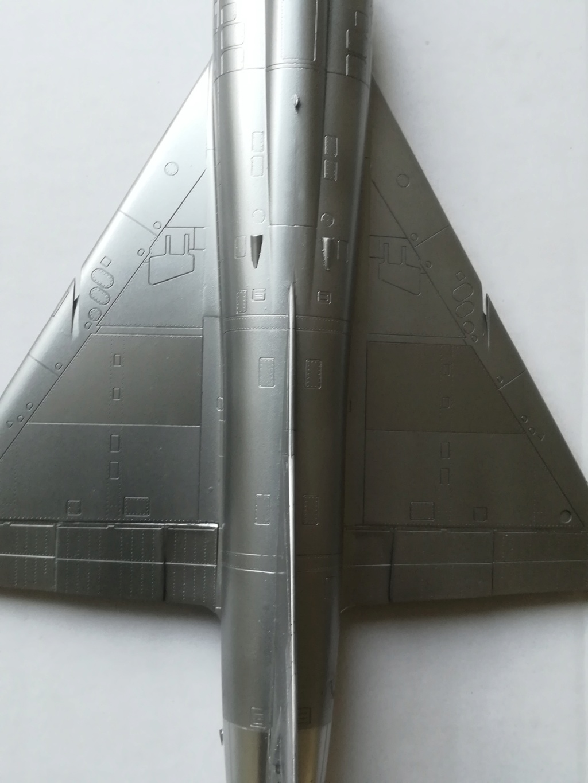De l'alu dans l'azur - Mirage IIIC (Eduard 1/48) - Page 16 Img_1305