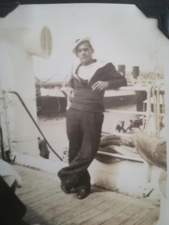 Quelques photos inédites : Grand-père marin Img_4258