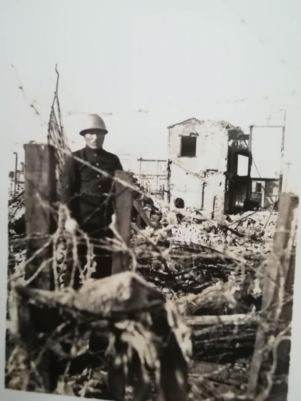 Quelques photos inédites : Grand-père marin Img_4293