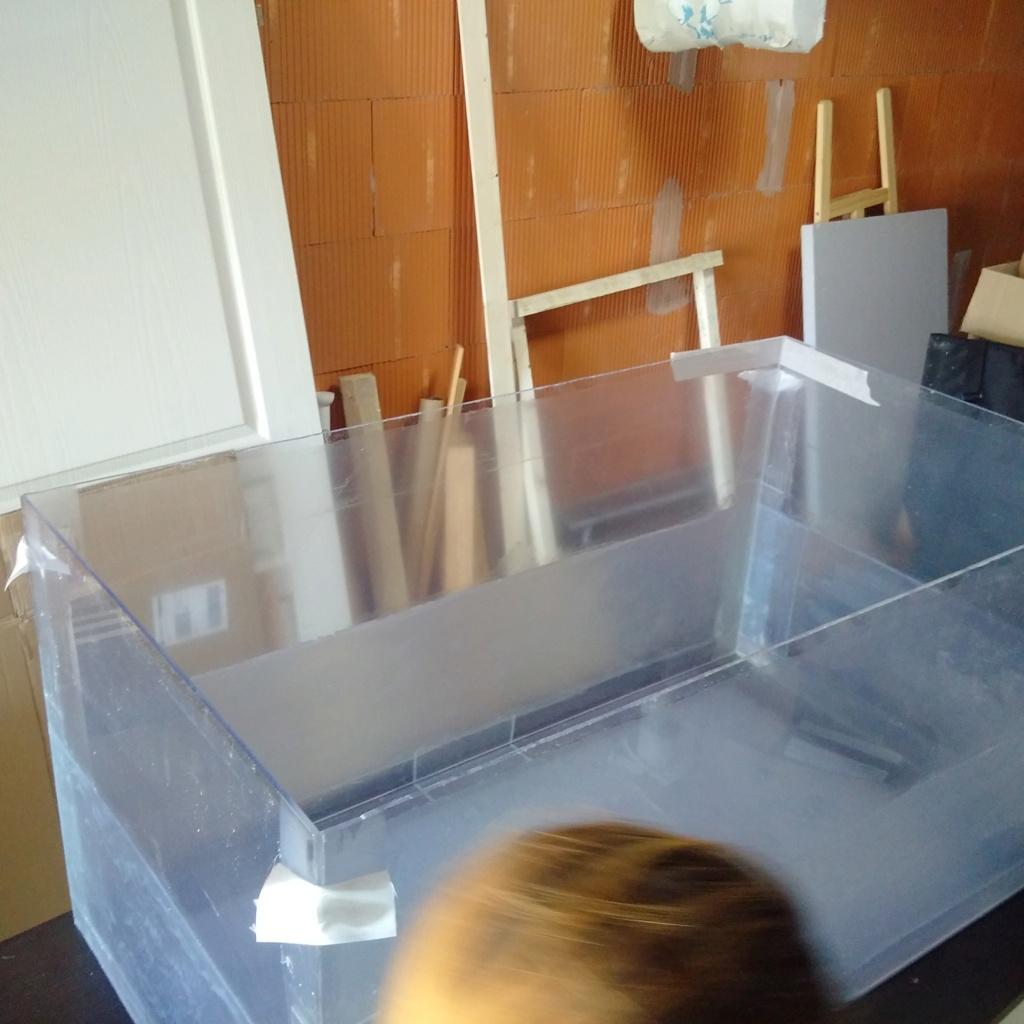 Conseils de construction d'un aquarium en bois Img_2151