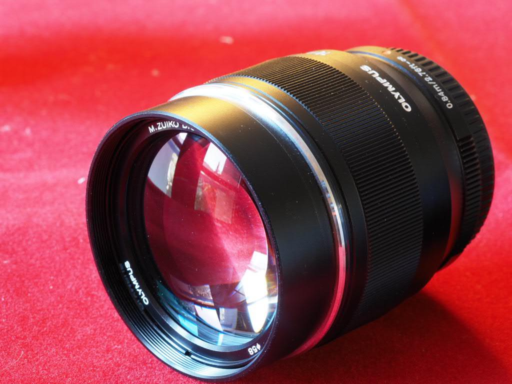 [VENDU] Olympus ED 75mm f1.8 avec pare-soleil et UV Pem13015