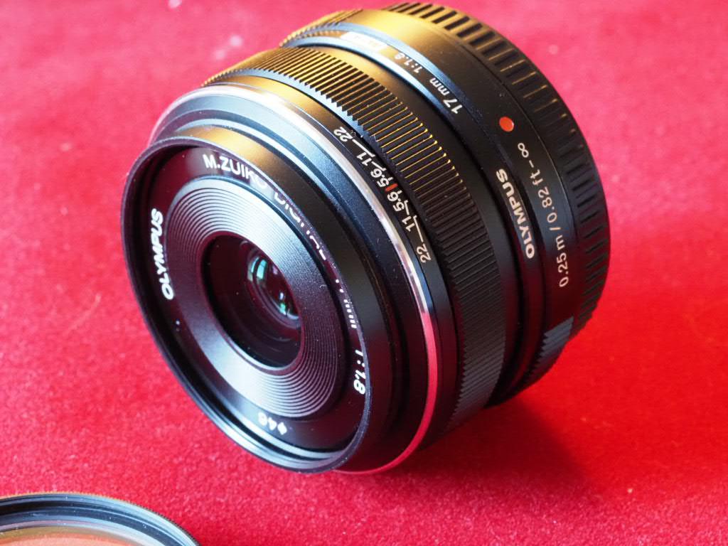 [VDS] M. Zuiko 17mm f1.8, Noir, pare-soleil, filtre UV, encore GARANTI Pem13016
