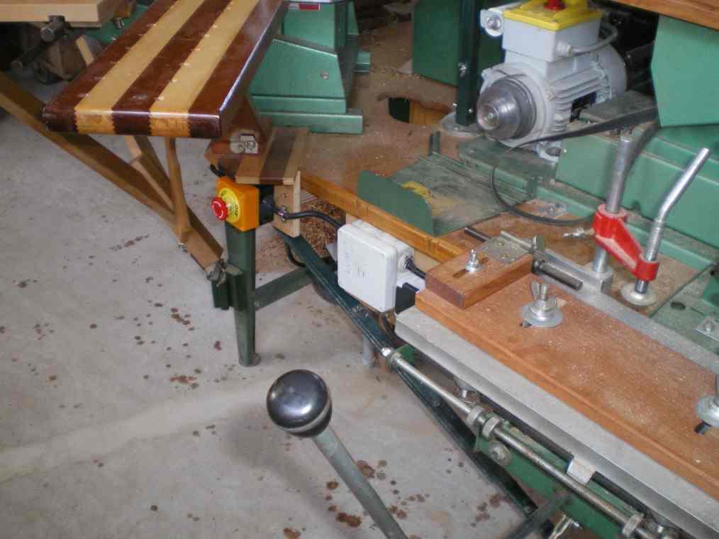 Installation d'un guide arrière et 2 butée sur mortaiseuse 652 Kity Imgp0062