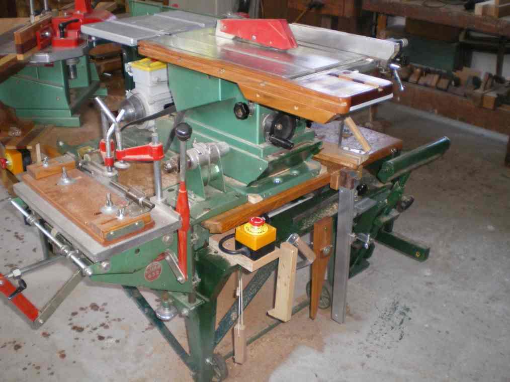 Installation d'un guide arrière et 2 butée sur mortaiseuse 652 Kity Imgp0063