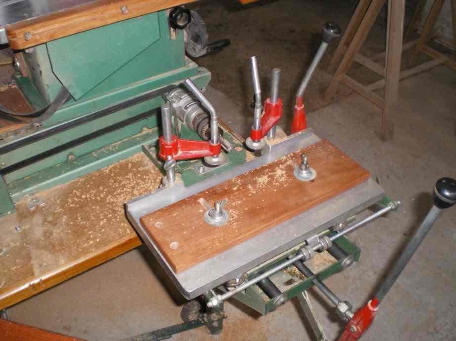 Installation d'un guide arrière et 2 butée sur mortaiseuse 652 Kity Imgp0064