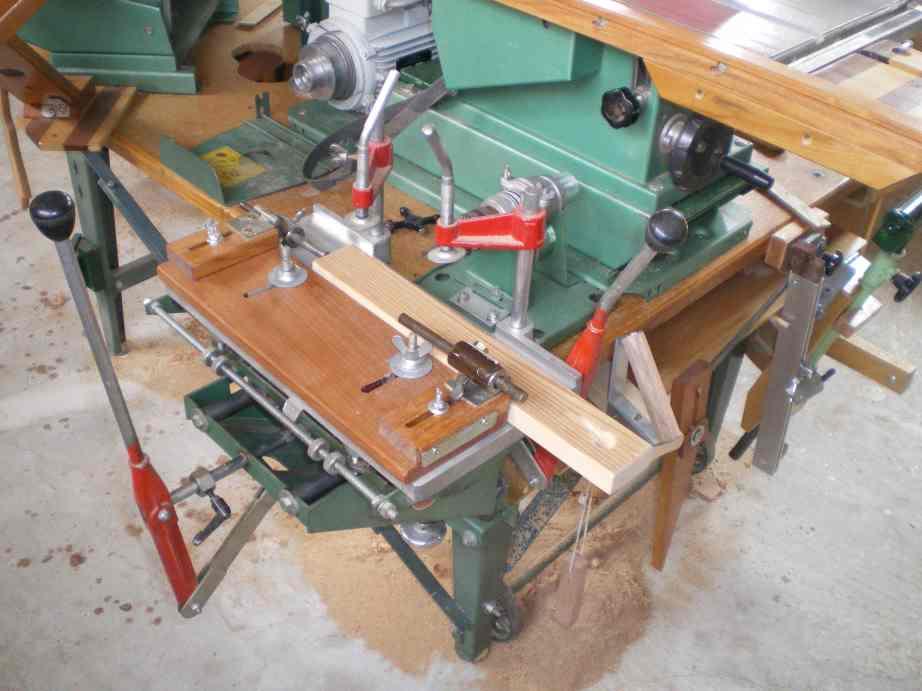 Installation d'un guide arrière et 2 butée sur mortaiseuse 652 Kity Imgp0071