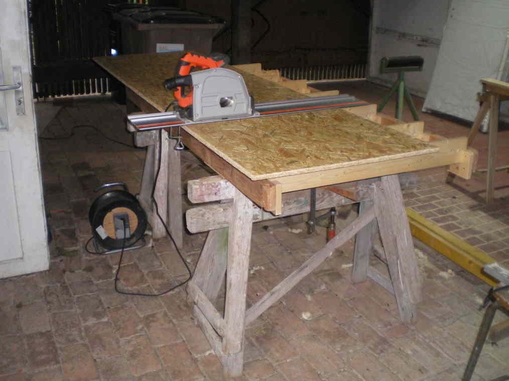 Sommier à ressors transformé en table à sciage Table-10