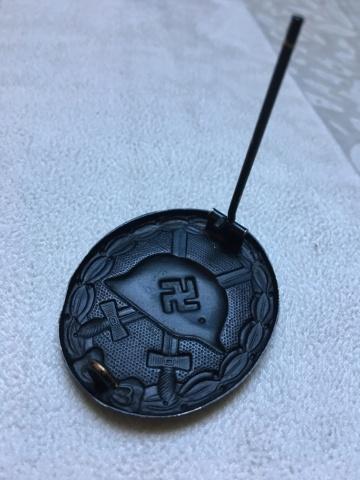 Insigne de blessé noir WW2 Img_2416